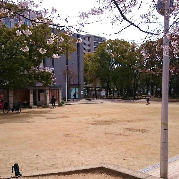 うまいde池田 池田駅前公園