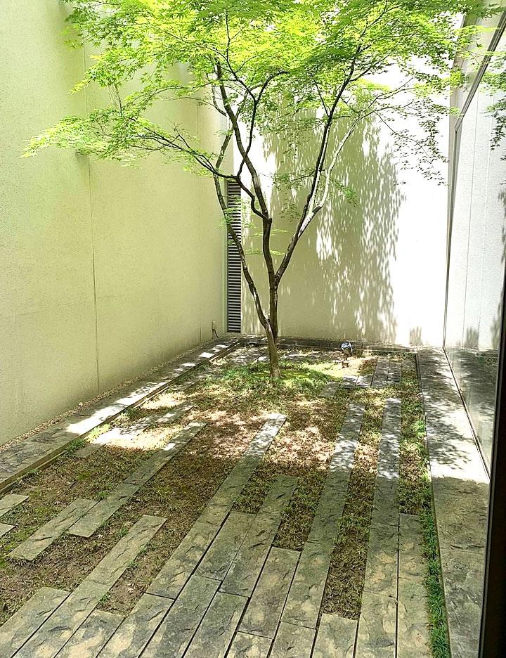 逸翁美術館中庭