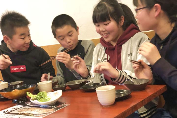 サーモン贅沢丼